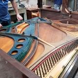 conserto de piano de madeira