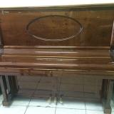 piano acústico de madeira Santa Cecília